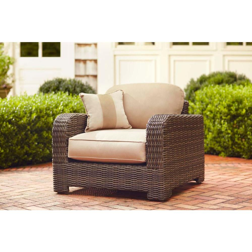 Brown jordan northshore patio lounge chair with harvest cushions and regency wren throw pillow