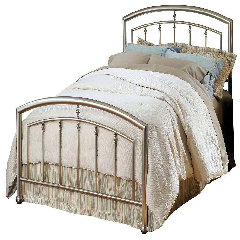Hillsdale Furniture Claudia Queen-Size Bed Set