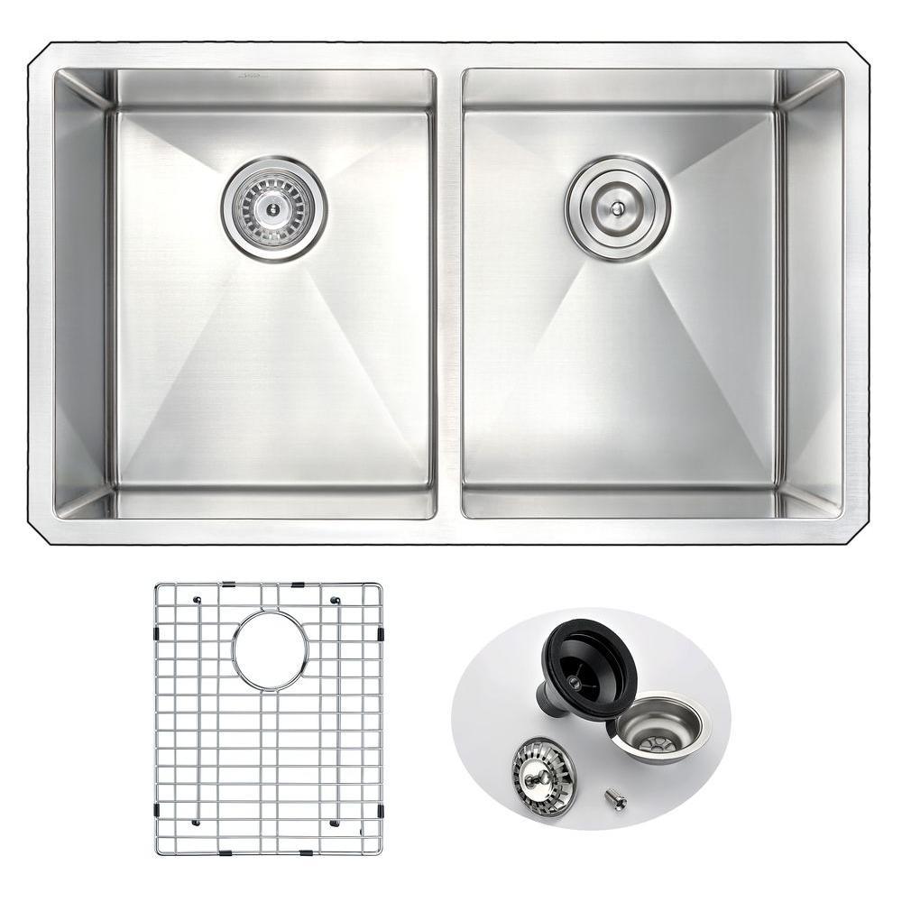 VANGUARD Series Undermount Stainless Steel 32 in. 0-Hole Double Bowl Kitchen