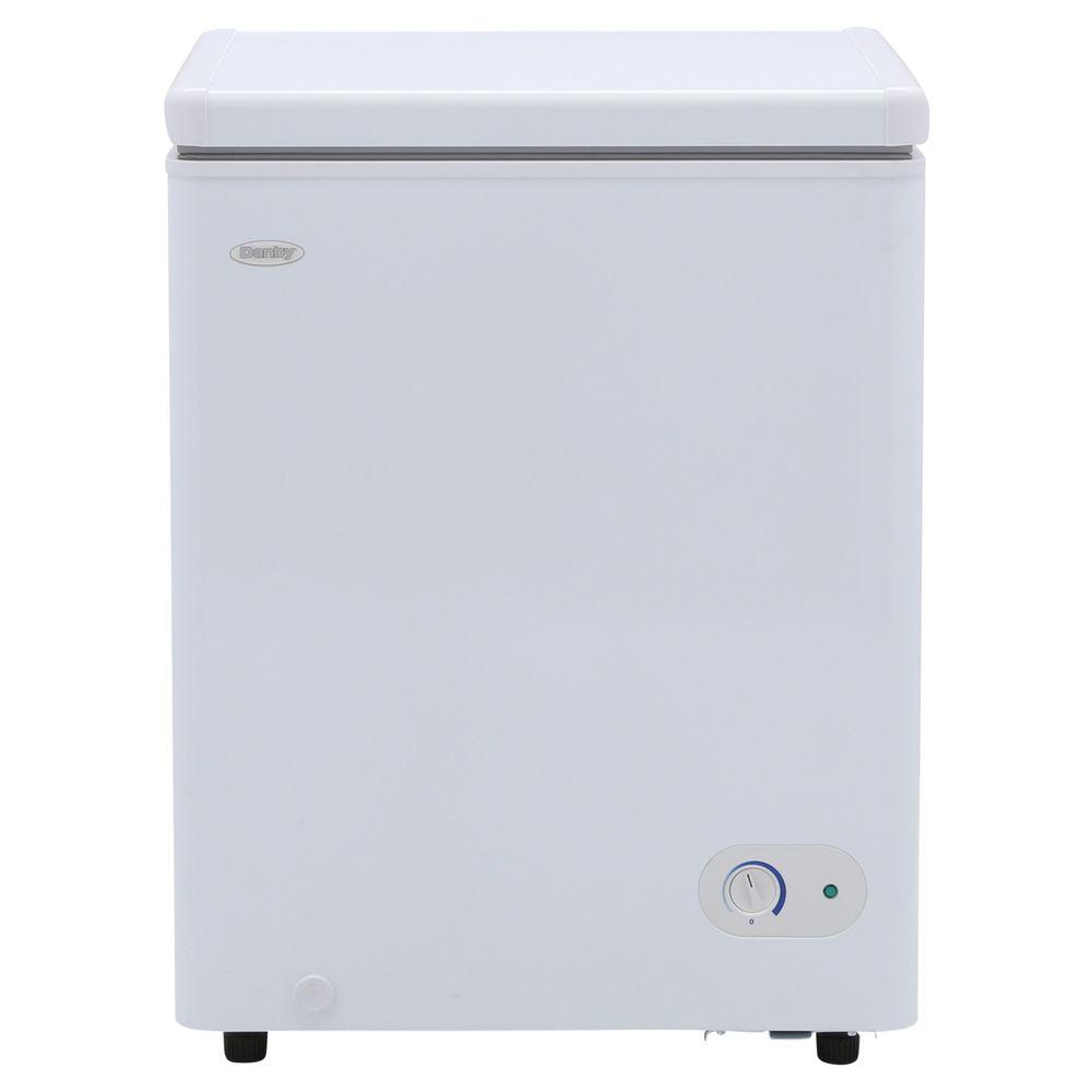 ge 5 0 cu ft manual defrost chest freezer in white fcm5skww the rh homedepot com
