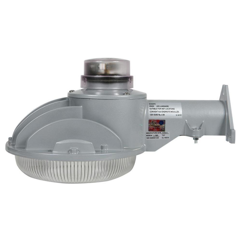 40-Watt Silver Dusk-To-Dawn Area Light