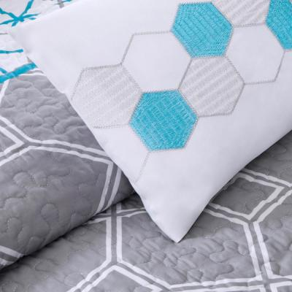 Zara Geometric Coverlet Set