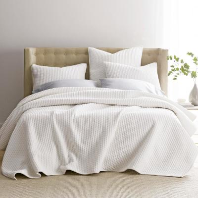Legends Paloma Cotton Textured King Quilt in White