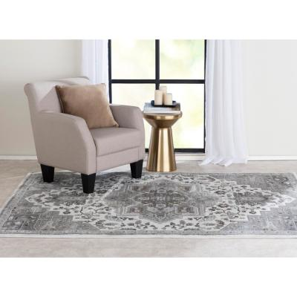 Bazaar Tanzium White/Grey 5 ft. x 7 ft. Oriental Polypropylene Area Rug