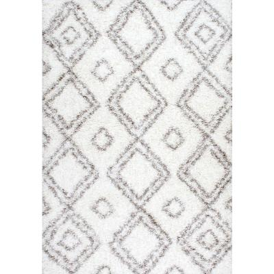 nuLOOM Iola Easy Shag White 7 ft. x 9 ft. Area Rug