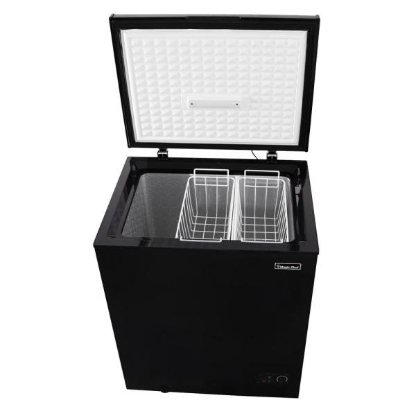 Magic Chef 5 0 Cu Ft Chest Freezer In Black Hmcf5b4 The Home Depot