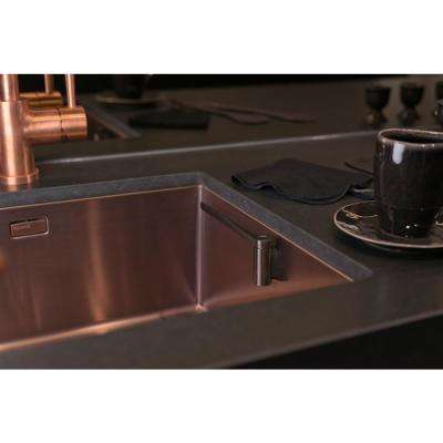 Straight Stainless Steel Cloth Holder in Black Steel