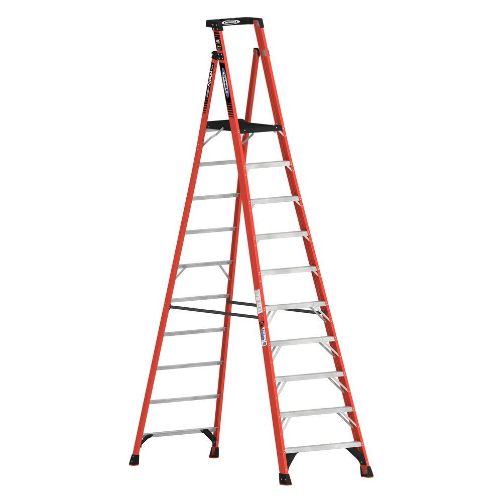 Werner 16 Ft Reach Fiberglass Podium Ladder With 300 Lb Load Capacity Type Ia Duty Rating Comparable To 12 Ft Stepladder Pdia10 The Home Depot