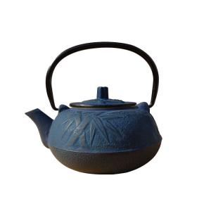 Click here to buy Old Dutch Osaka Teapot in Blue by Old Dutch.