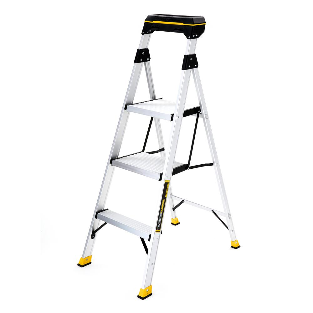 Gorilla Ladders 4.5 ft. Aluminum Hybrid Ladder with Tray with 250 lbs. Load Capacity Type I Duty Rating