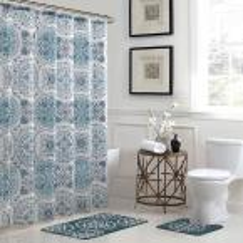 Caroline Geometric 18 in. x 30 in. Bath Rug and 72 in. x 72 in. Shower Curtain 15-Piece Set in Teal/Grey