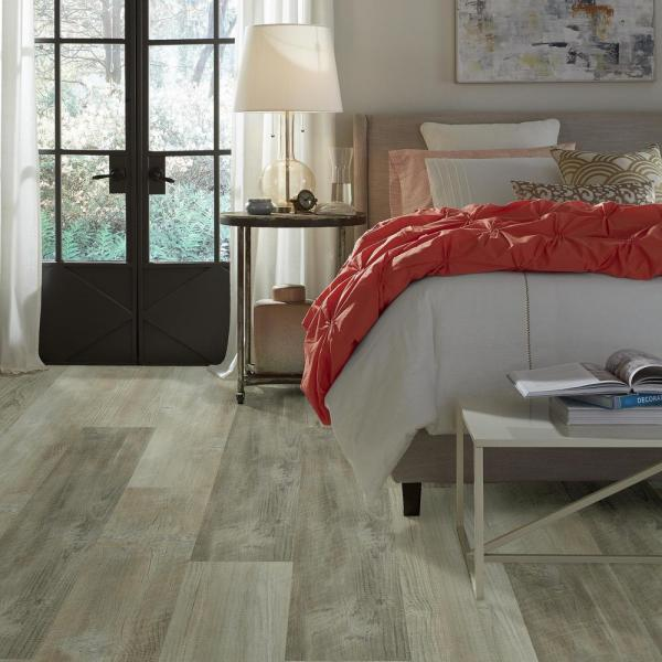 Shaw Pinecrest Click 9 In X 59 In Quarry Resilient Vinyl Plank Flooring 21 79 Sq Ft Case Hd84300554 The Home Depot