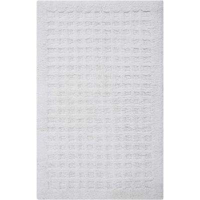Plush White 1 ft. 9 in. x 2 ft. 10 in. Bath Rug