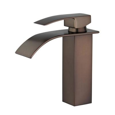 Santiago Single Hole Single-Handle Bathroom Faucet with Overflow Drain in Oil Rubbed Bronze