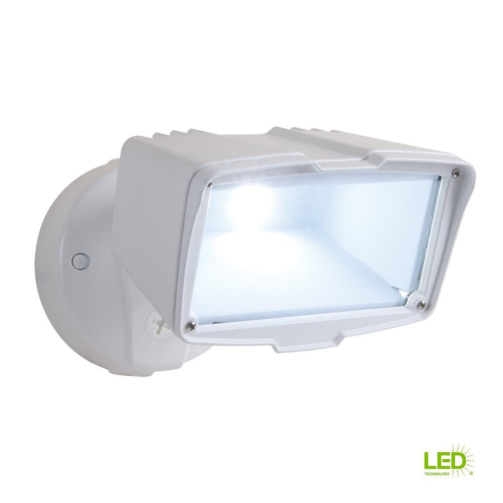 All Pro Bronze Outdoor Integrated Led Large Single Head Security Light Fixture To Visually Id The Load Wire Coming From Switch As This Review Is Fromwhite Flood With 1950 Lumens 5000k Daylight Controlled