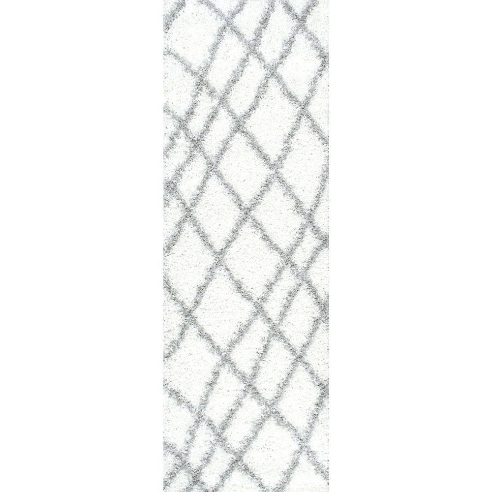 nuLOOM Alvera Easy Shag White 3 ft. x 8 ft. Runner Rug