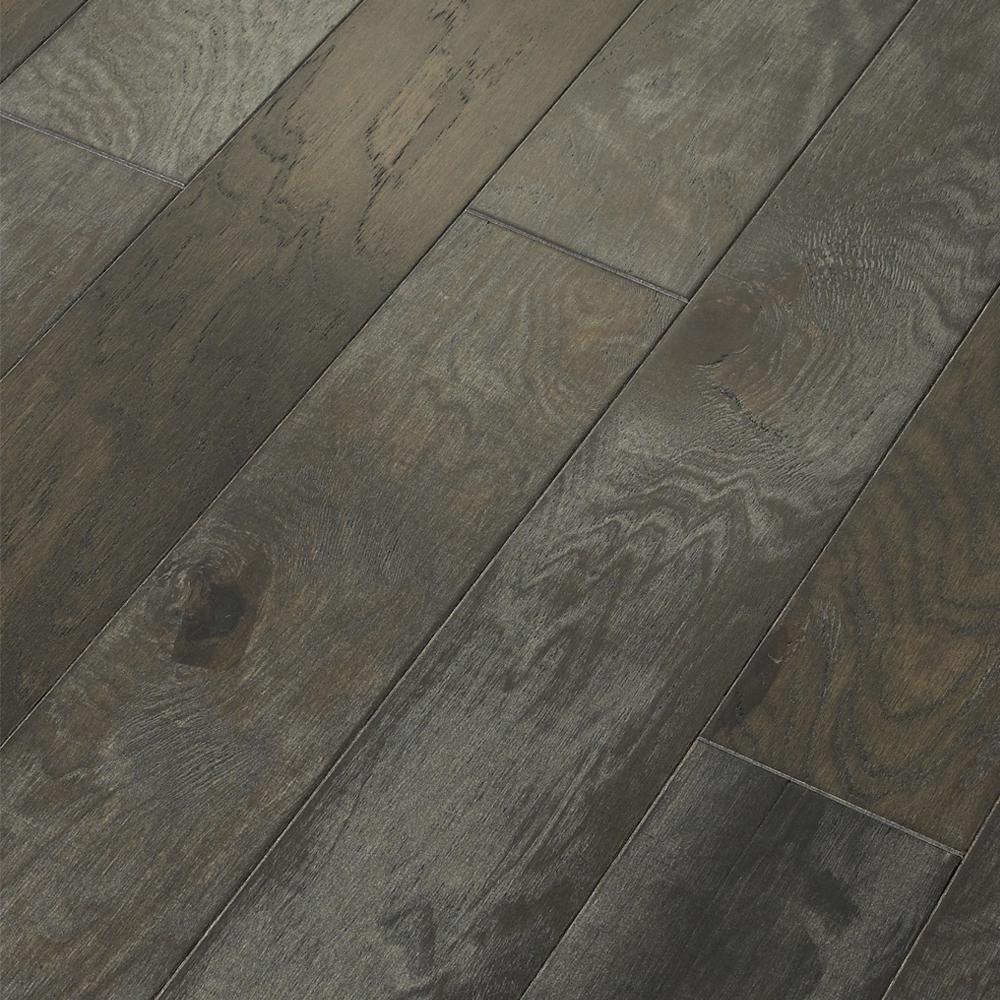 Shaw Take Home Sample Majestic Hickory Grandview Engineered Click Hardwood Flooring 5 In