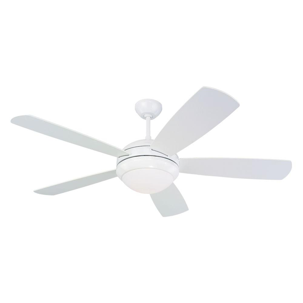 Monte Carlo Discus 52 In Indoor White Ceiling Fan With Light Kit