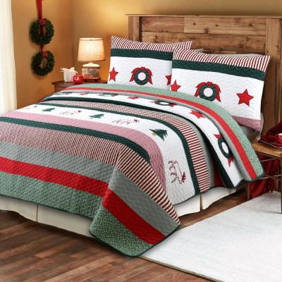 Holiday Christmas Morning Stripped Wreath 3-Piece Red Green Holiday Cotton King Quilt Bedding Set