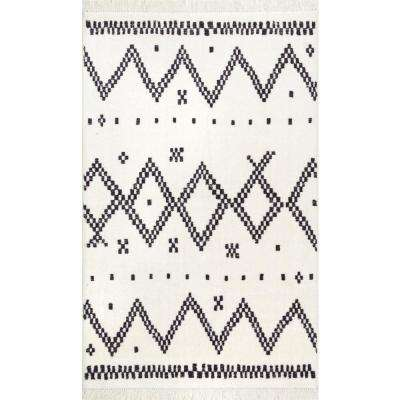 Tracy Moroccan Tassel Off White 2 ft. 3 in. x 8 ft. 5 in. Runner Rug