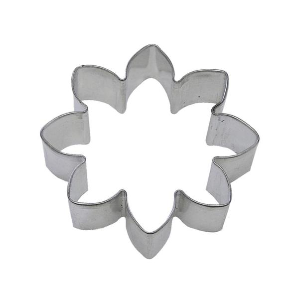 Cybrtrayd 12 Piece 3 5 In Daisy Tinplated Steel Cookie Cutter And Cookie Recipe Rm 1303 12lot The Home Depot