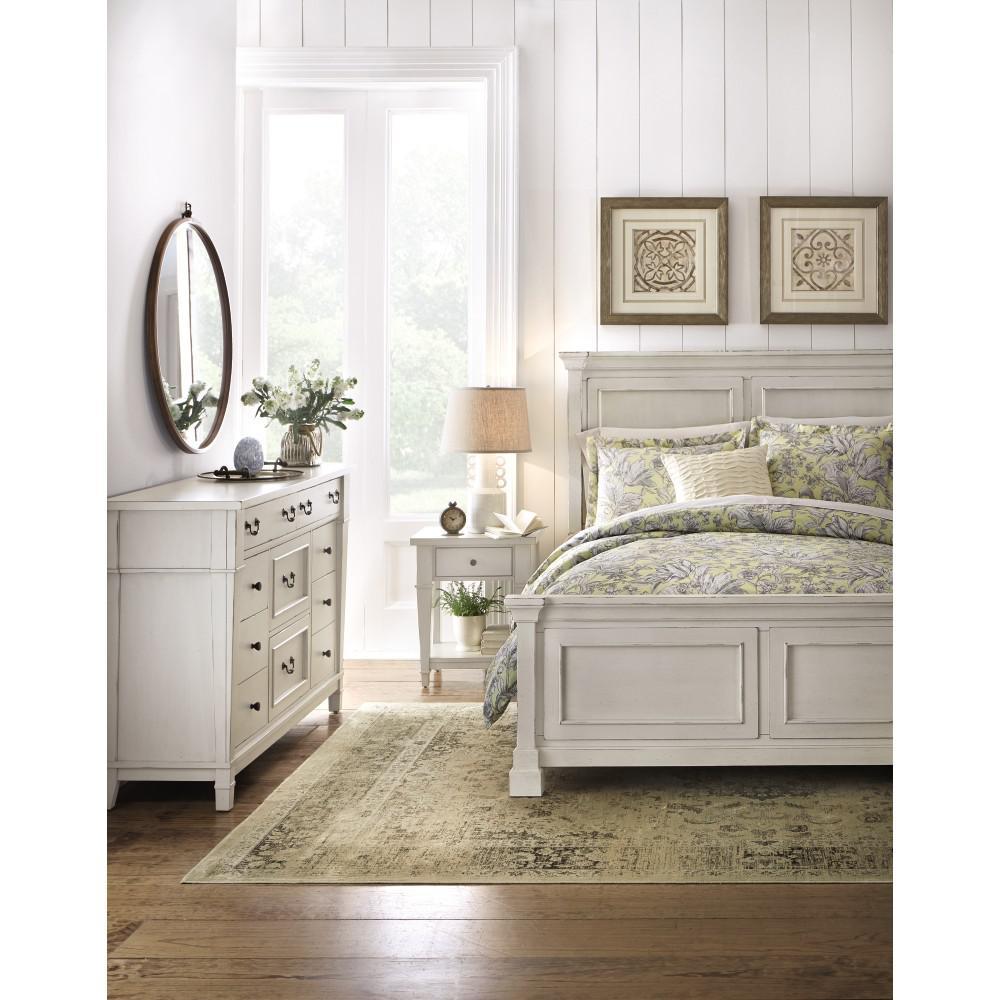 Bridgeport 8-Drawer Antique Grey Dresser