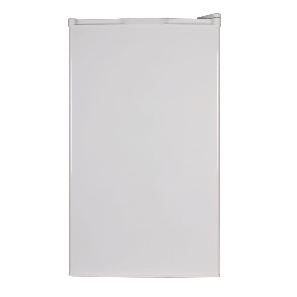 D&H 4.0 cu. ft. Mini Fridge in White