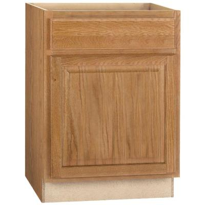 Hampton Assembled 24x34.5x24 in. Base Kitchen Cabinet with Ball-Bearing Drawer Glides in Medium Oak