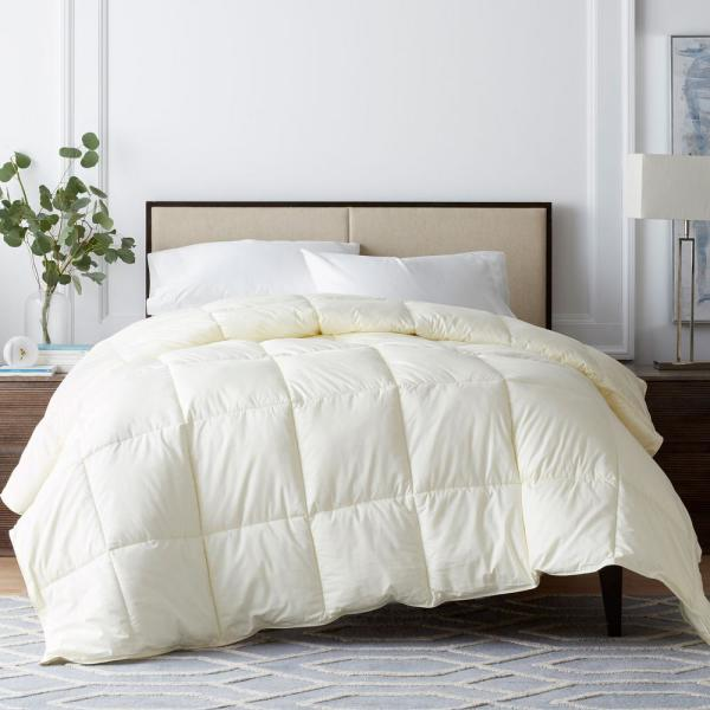 Legends Luxury Geneva PrimaLoft Deluxe Medium Warmth Ivory King Down Alternative Comforter