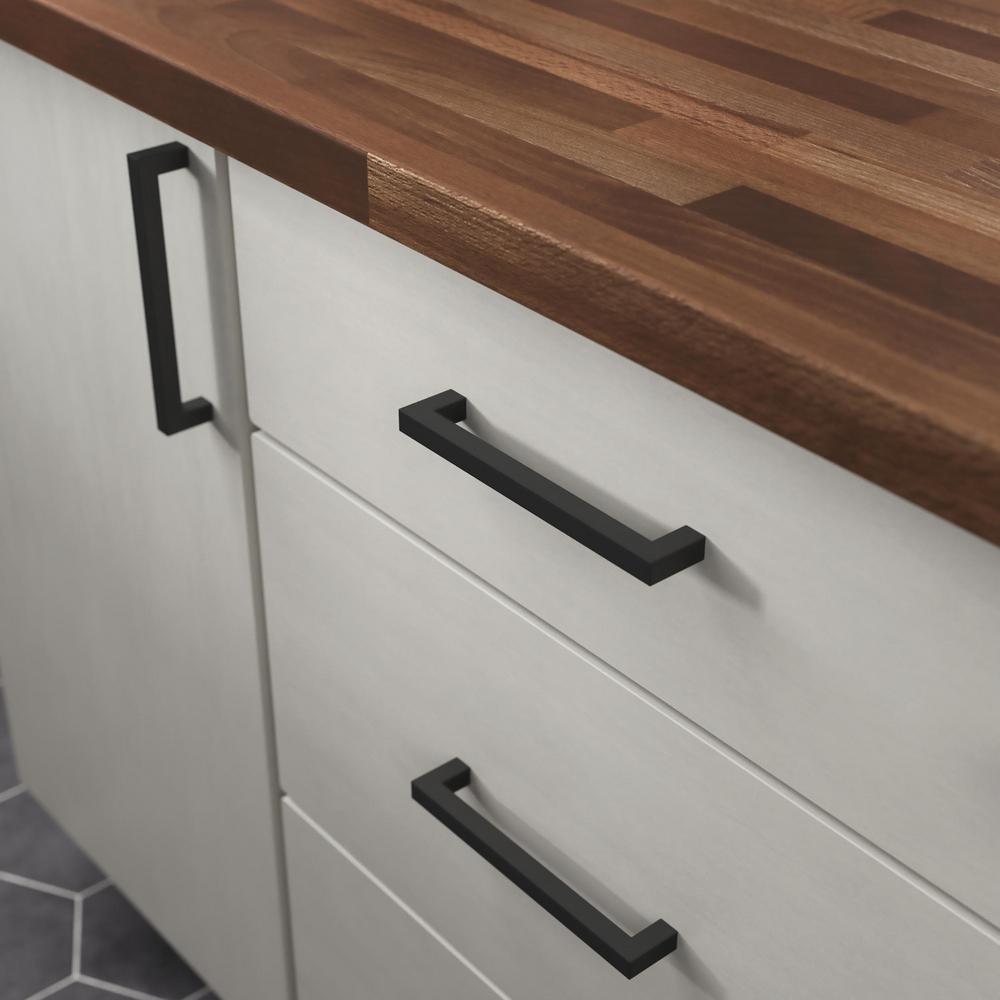 Modern Square Bar Pull 6-5/16 in. (160mm) Matte Black Drawer Pull