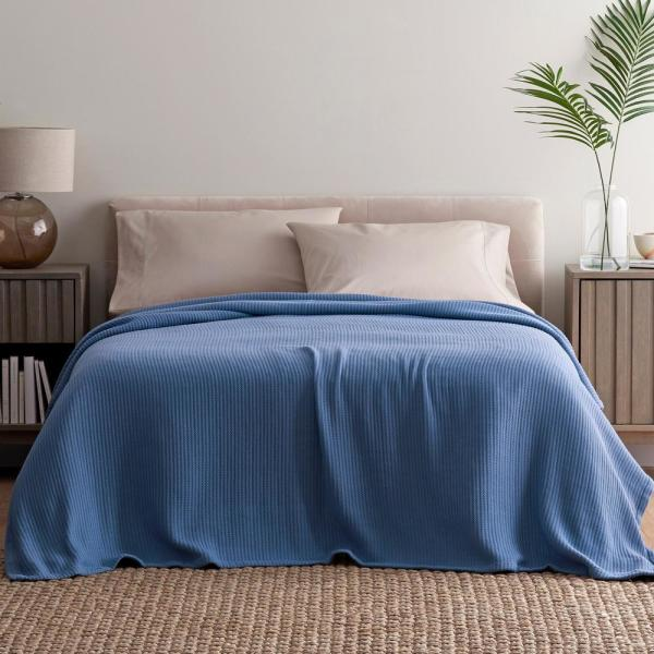 the company store bed blankets 85018 q gray e1 600