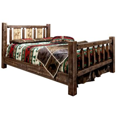 Homestead Collection Medium Brown Queen Laser Engraved Bear Motif Spindle Size Bed