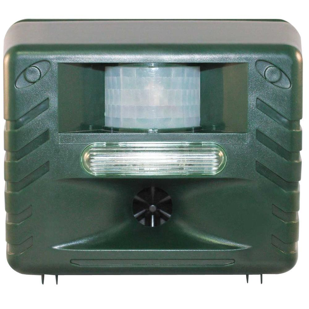 Yard Sentinel Strobe, Ultimate Ultrasonic Nighttime Animal Pest Repeller with