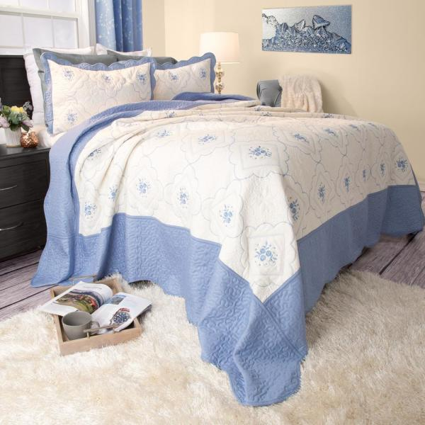 Lavish Home Brianna Embroidered Blue Polyester Twin Quilt