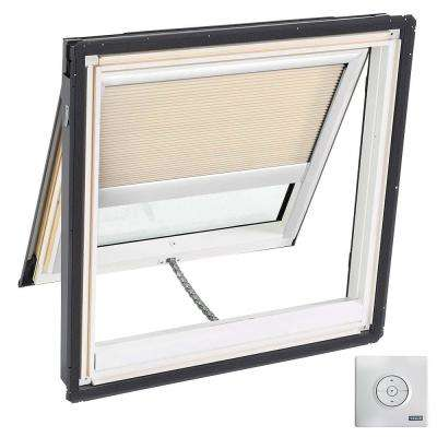 21 in. x 26-7/8 in. Solar Powered Venting Deck-Mount Skylight, Laminated LowE3 Glass, Classic Sand Light Filtering Blind