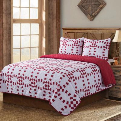 Holiday Ring 3-Piece Full/Queen Quilt Set