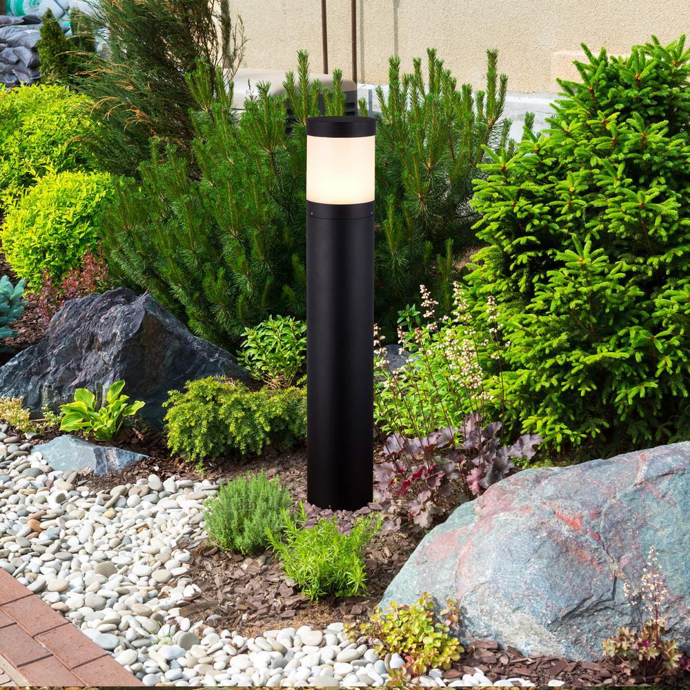 Vonn Lighting 9 Watt Black Outdoor Integrated Led Landscape Path Bollard Light