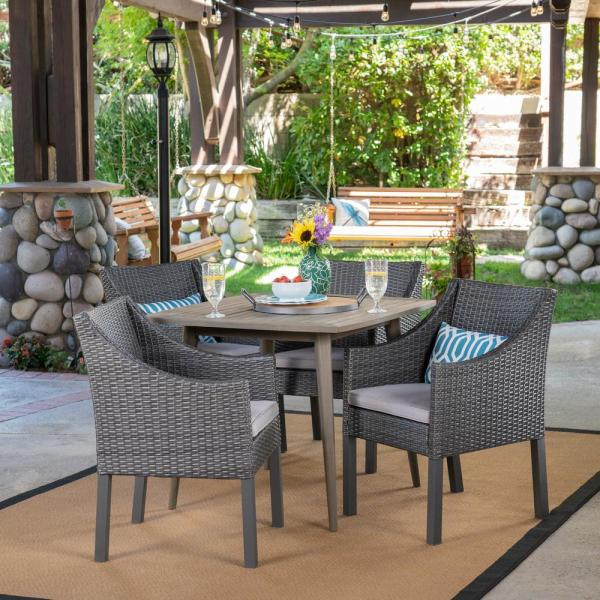 Damas Gray 5-Piece Wood and Wicker Outdoor Dining Set with Silver Cushions