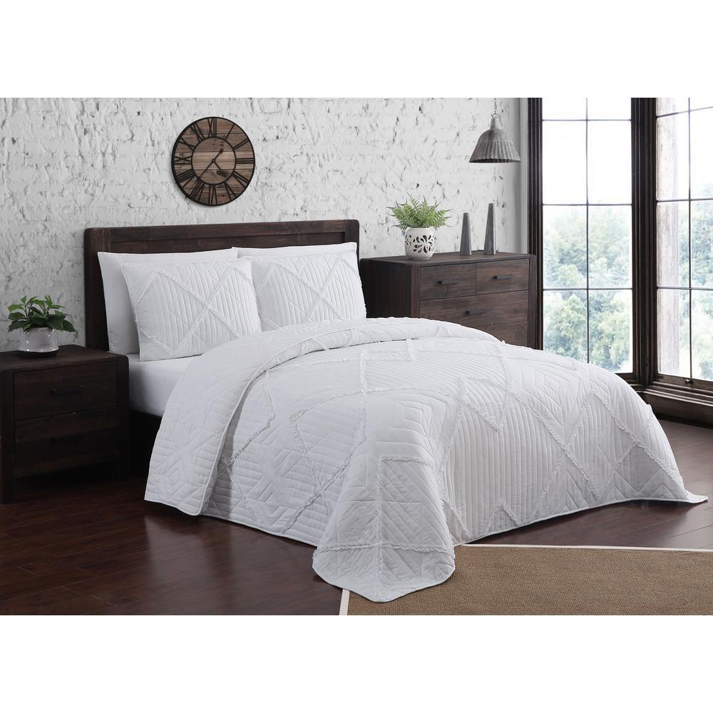Asbury Ruffle White Queen Quilt Set (3-piece)