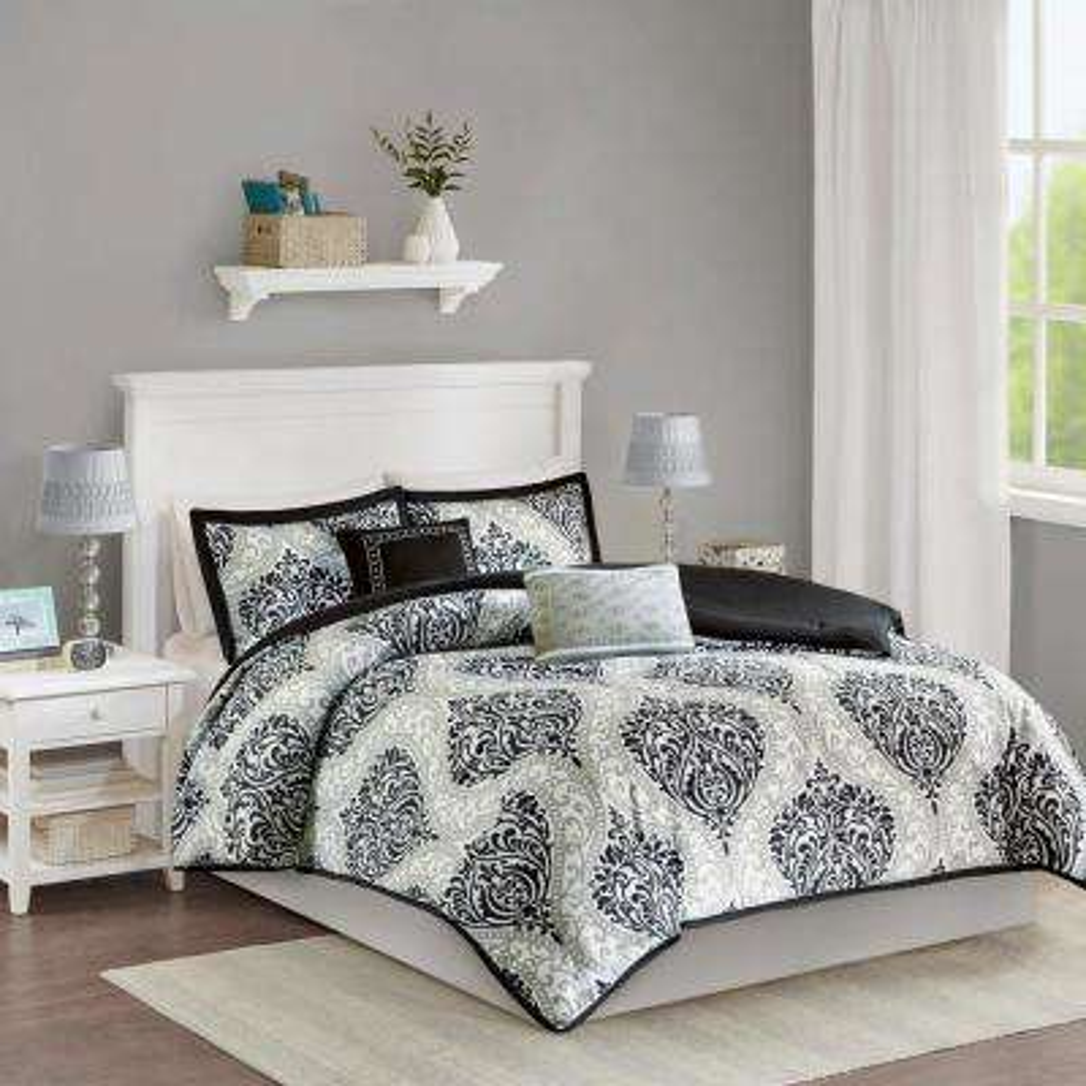 Sydney 4-Piece Black Twin/Twin XL Damask Comforter Set