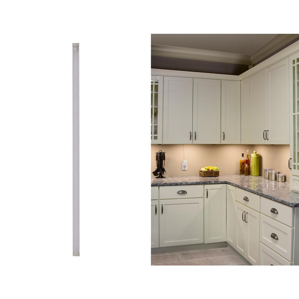 Black Decker 24 In Led Warm White 2700k Dimmable 1 Bar Under Cabinet Lights Kit With Hands Free On Off Tool Plug Install
