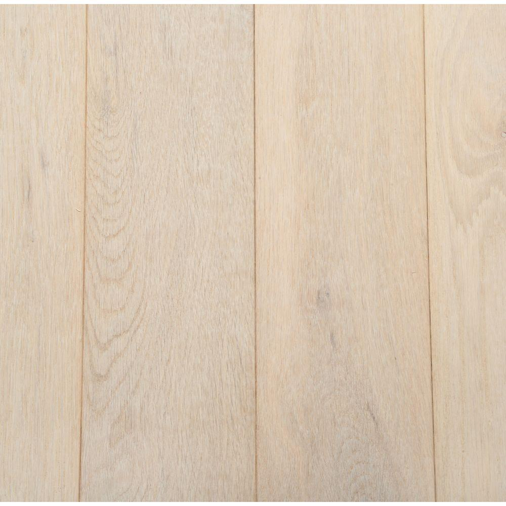 Bruce American Originals Tinted Tea Oak 3/4 in. Thick x 5 in. W x Random Length Solid Hardwood Flooring (23.5 sq. ft. / case)