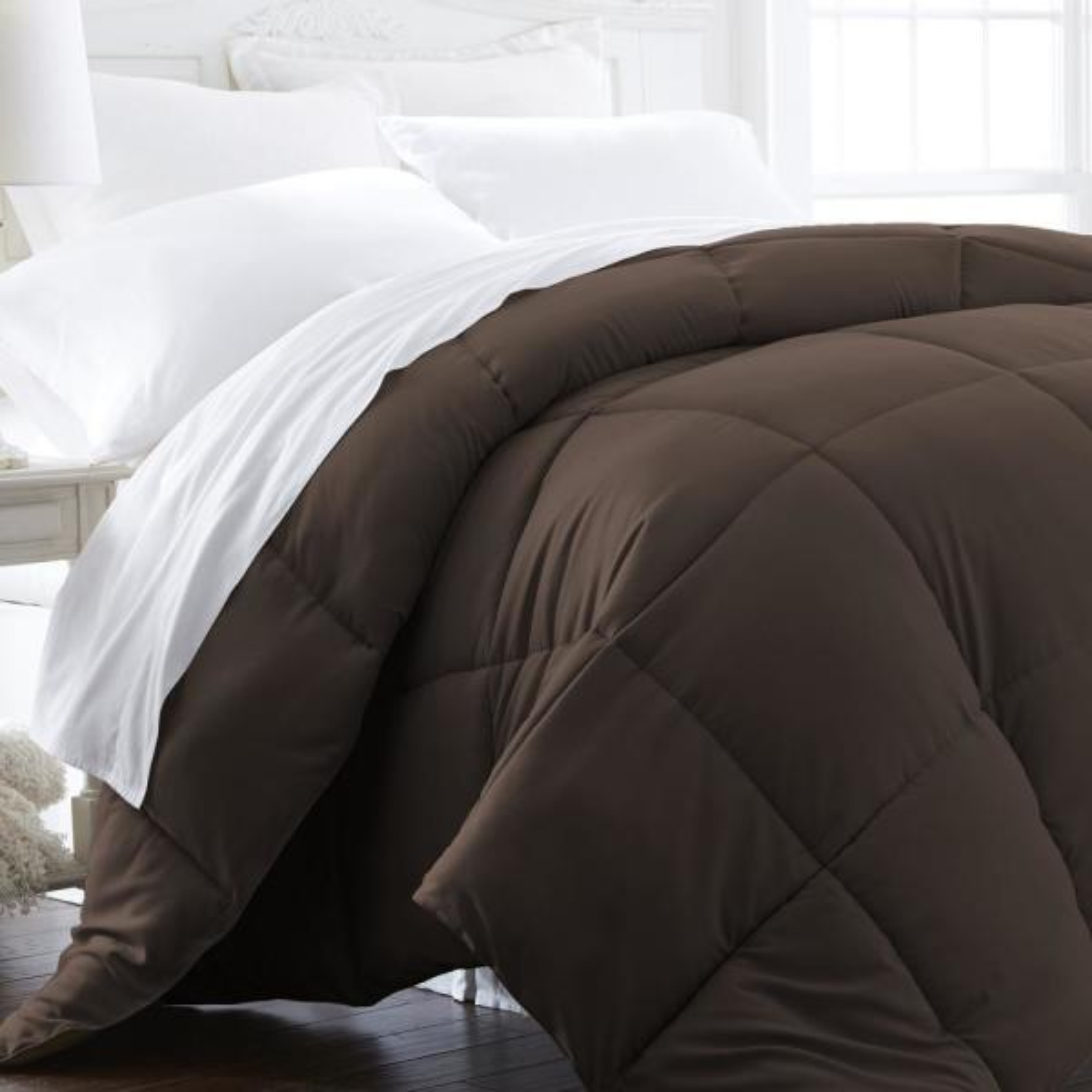 Performance Chocolate Solid Queen Comforter