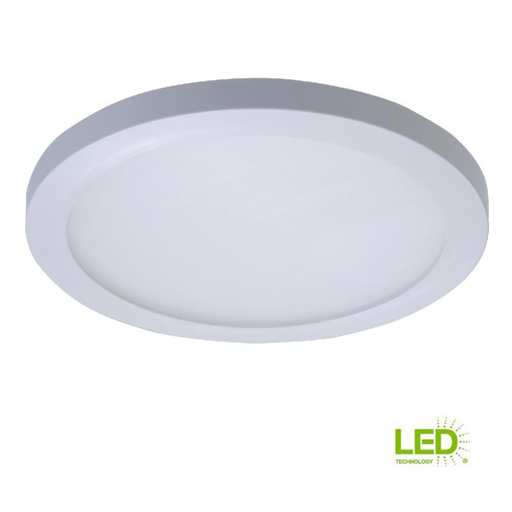 Halo 6 in white integrated led recessed round trim downlight 90 cri 3500k cct