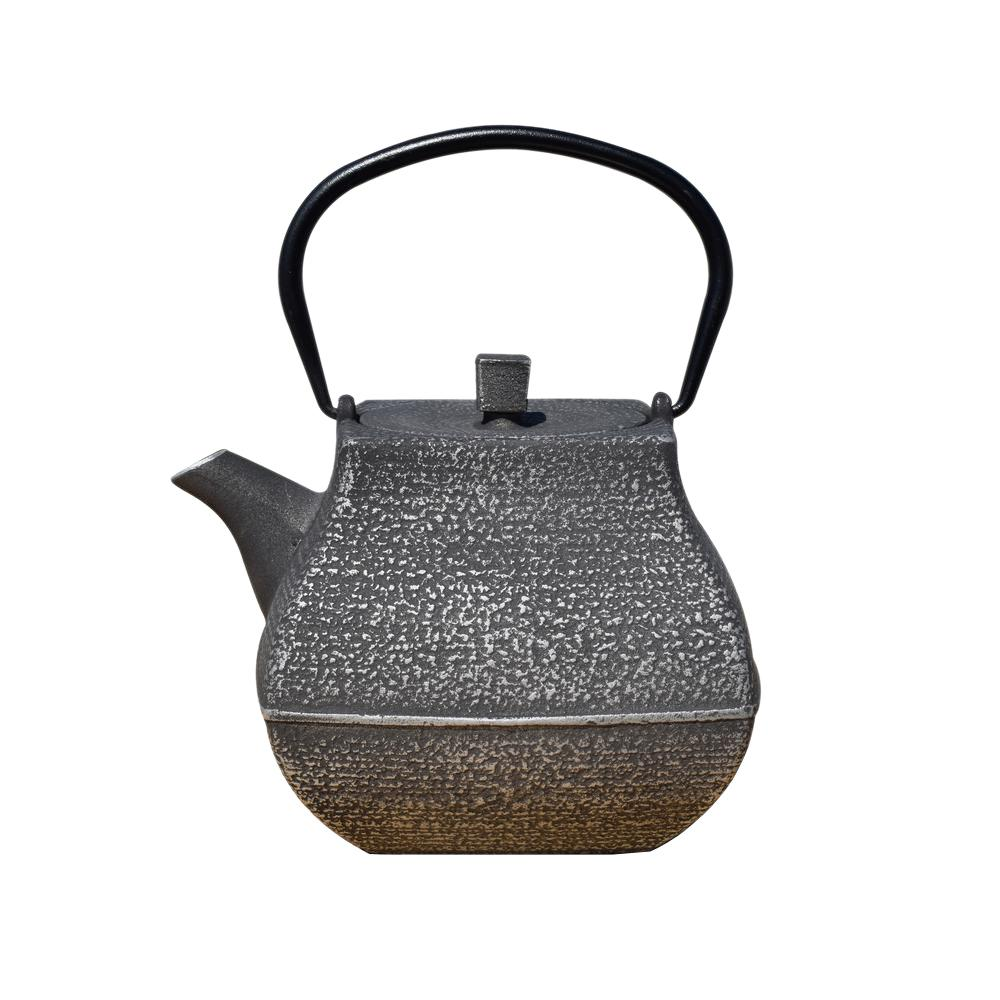 Old Dutch Meiyo 5.5-Cup Teapot in Silver and Black, Silve...