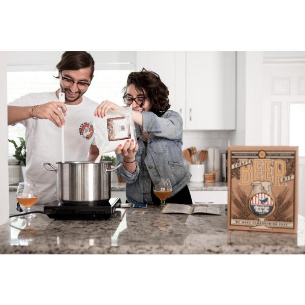 Unbranded - Beer Brewing Kit in White House Honey Ale