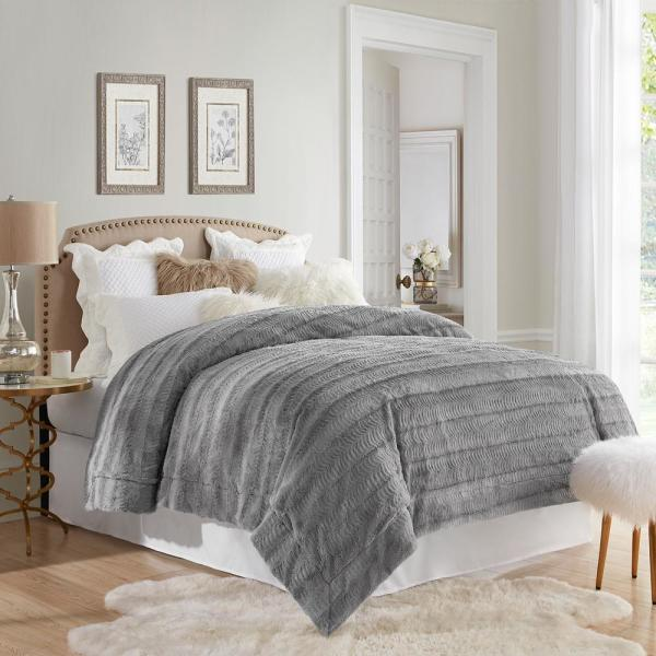 Stylish Grey Embossed Faux Fur Reverse to Micomink King Blanket