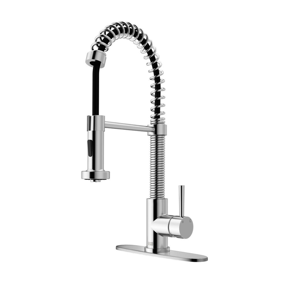VIGO Edison Single Handle Pull Out Sprayer Kitchen Faucet With Deck Plate  In Chrome