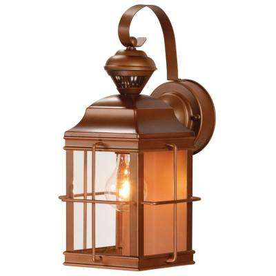 New England Carriage 150° Antique Bronze Motion Sensing Outdoor Lantern