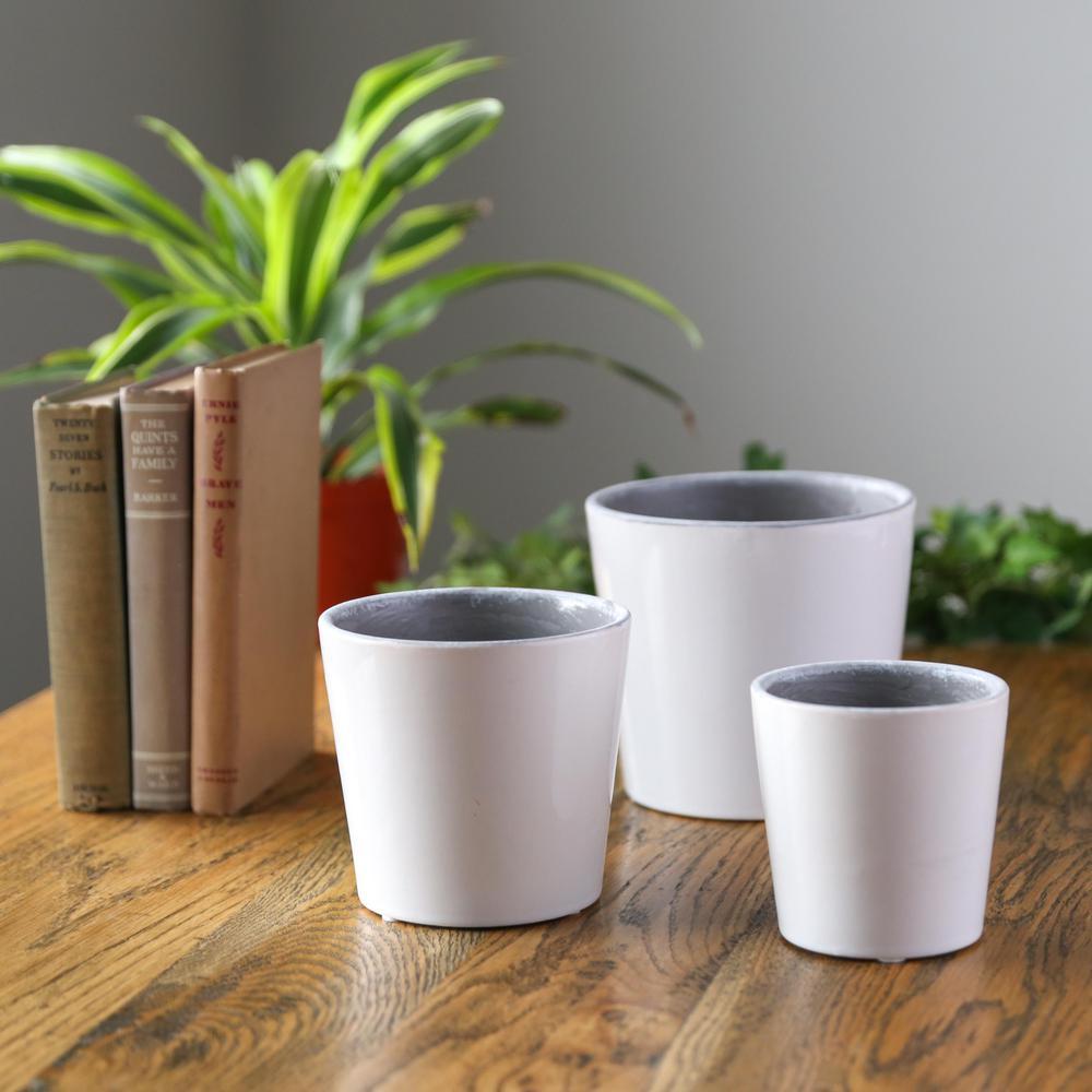 UTC Gloss Finish White Ceramic Decorative Pot